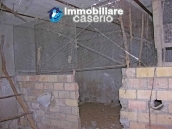 Country stonehouse with land for sale in Guilmi 8