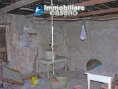 Country stonehouse with land for sale in Guilmi 9