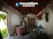 Country house in need of renovation works in Tavenna 11