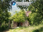 Stone cottage with land for sale in Guilmi, Abruzzo 3