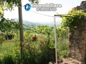 Stone cottage with land for sale in Guilmi, Abruzzo 5