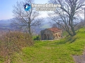 Stone cottage with land for sale in Guilmi, Abruzzo 7