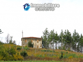 Farmhouse to renovate with 10 acres for sale in Carpineto Sinello, Abruzzo 1