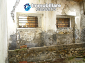 Farmhouse to renovate with 10 acres for sale in Carpineto Sinello, Abruzzo 7