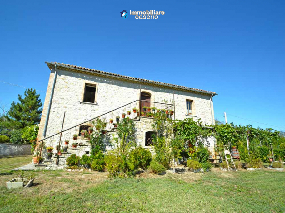 Ancient country house completely renovated for sale in Abruzzo, Italy