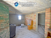 Country house surrounded by greenery with hilly views for sale in Molise 11