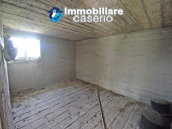 Country house surrounded by greenery with hilly views for sale in Molise 14