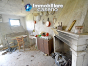Country house surrounded by greenery with hilly views for sale in Molise 7