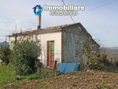 Country house with land in Montenero di Bisaccia 1