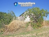 Country house with land in Montenero di Bisaccia 18