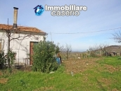 Country house with land in Montenero di Bisaccia 3