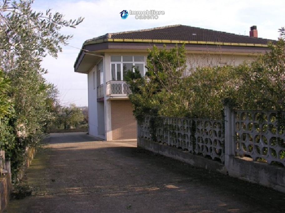 Lovely contry house with view in Giuliano Teatino, Chieti
