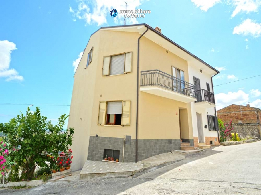 Big habitable detached house for sale in Tavenna, Campobasso, Molise, Italy