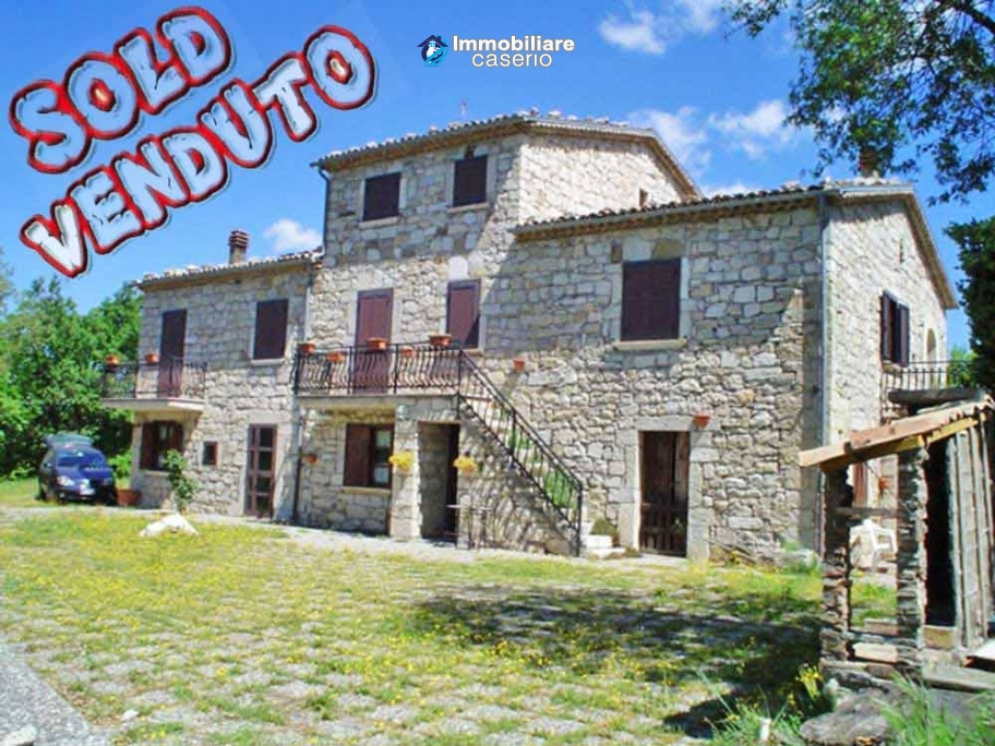 Stone house for sale with land in Bagnoli del Trigno, Molise