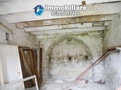 Stone country house with land for sale in Schiavi di Abruzzo, Italy 10