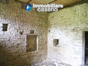 Stone country house with land for sale in Schiavi di Abruzzo, Italy 12