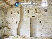 Stone country house with land for sale in Schiavi di Abruzzo, Italy 15