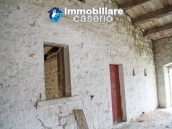 Stone country house with land for sale in Schiavi di Abruzzo, Italy 17