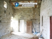 Stone country house with land for sale in Schiavi di Abruzzo, Italy 18
