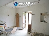 Stone country house with land for sale in Schiavi di Abruzzo, Italy 20