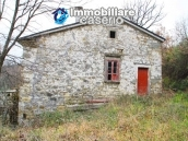 Stone country house with land for sale in Schiavi di Abruzzo, Italy 4