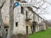 Stone country house with land for sale in Schiavi di Abruzzo, Italy 6