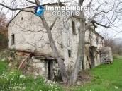Stone country house with land for sale in Schiavi di Abruzzo, Italy 7