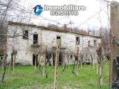 Stone country house with land for sale in Schiavi di Abruzzo, Italy 8