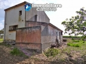 Country house for sale with land in Marina di Chieuti, Foggia, Puglia 5