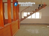 Wonderful property, Villa of 1950 for sale in Alanno, Abruzzo 9