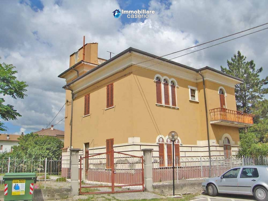 Wonderful property, Villa of 1950 for sale in Alanno, Abruzzo