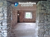 Stone cottage for sale to restore in Molise 9