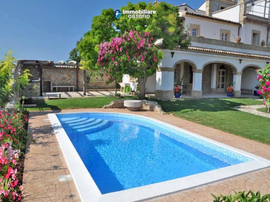 Renovated old building with terraces and gardens for sale Abruzzo, Vasto