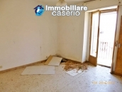 Town house for sale to renovate in Montnero di Bisaccia, Molise 3