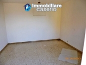 Town house for sale to renovate in Montnero di Bisaccia, Molise 4