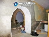 Town house for sale to renovate in Montnero di Bisaccia, Molise 6