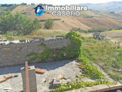 Country house for sale with land surrounded by Abruzzo's hills 5