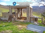 Rustic farmhouse for sale in Torricella Peligna 9