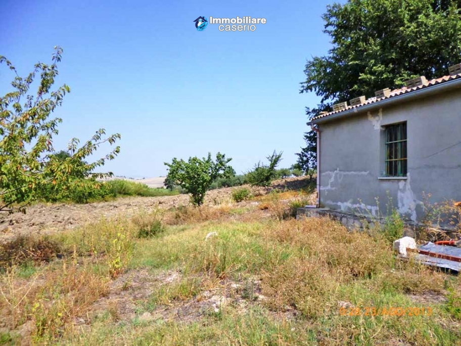 Detached house for sale with land in the country of Montenero di Bisaccia