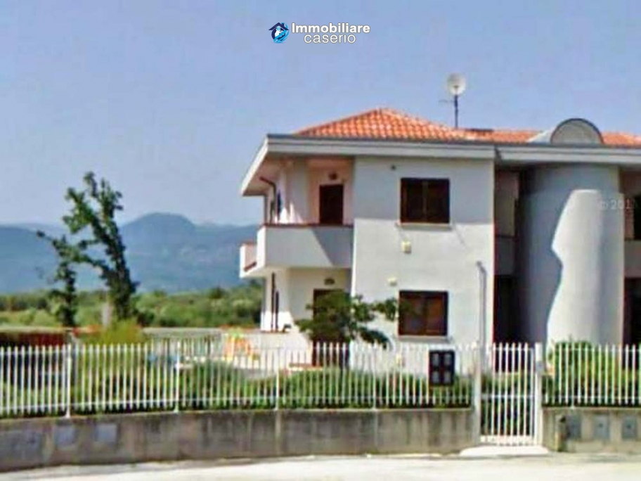 Apartment with garage and garden for sale in Monteroduni, Molise