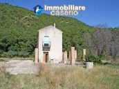 Two buildings with 20 hectares for sale in Gissi, Abruzzo 2