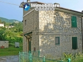 Stone cottage for sale with garden in the green village of Sant'Angelo del Pesco 1