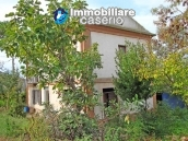 Cottage in the countryside with walnut trees for sale Atessa, Abruzzo 5