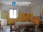 Cottage in the countryside with walnut trees for sale Atessa, Abruzzo 9