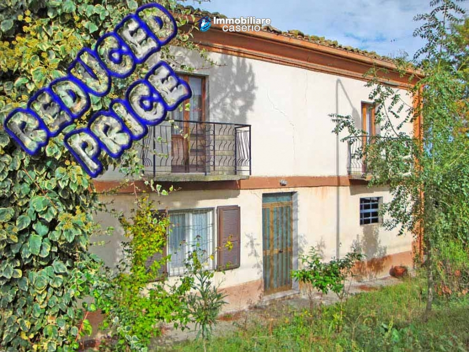 Cottage in the countryside with walnut trees for sale Atessa, Abruzzo