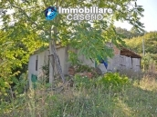 Cottage with land for sale in Casacalenda, Molise 7