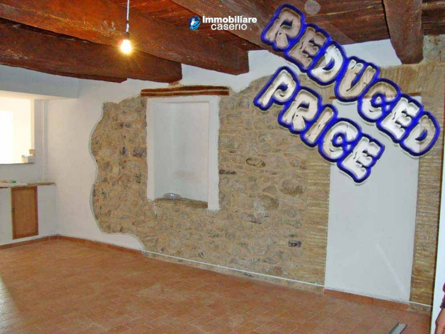 Apartment in restored stone wood loft for sale in Civitacampomarano, Molise, Italy