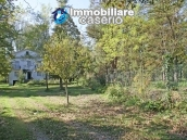 Farmhouse with land and lake for sale in Casoli, Chieti, Abruzzo 13