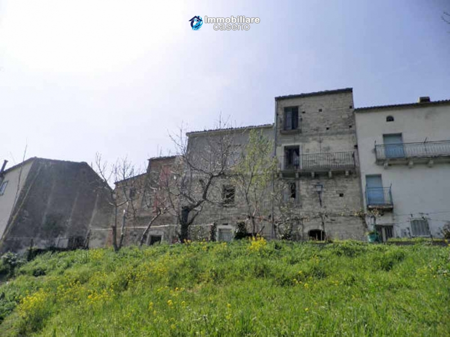 Stunning stone town house for sale with land in Castelbottaccio, Molise, Italy