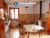 Villa with land for sale near the center of Campobasso, Molise 10